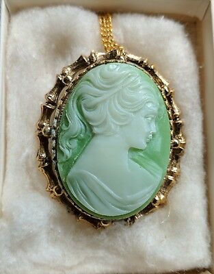 Vintage Lady Head Cameo Necklace Pendant Brooch Pin Beautiful Light Green NOS