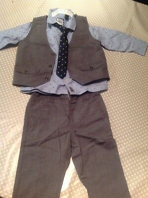 Gorgeous Boys 4 Piece Outfit From Next Signature Range Worn Once Bargain