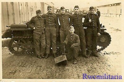 **DRIVER'S TRAINING! German Panzer Recruits Posed w/ Turretless Tank (#1)!!!**