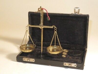 Nice Cased Jeweller's Brass Scales Set With Weights