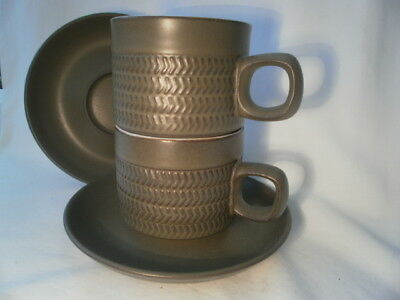 DENBY OLIVE GREEN CHEVRON Stoneware 2 x TEA/COFFEE CUPS AND SAUCERS VGC