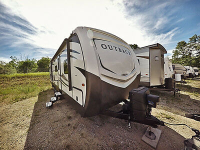 Just traded in 2018 Keystone Outback Sydney Edition 312BHS Double Slide RV