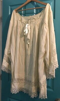 Beautiful Vintage Catholic Priests Altar Servers Ivory Surplice W/ Lace Inserts
