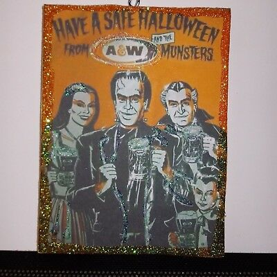 Vintage Halloween Image  Card Glitter Wood Ornament the munsters