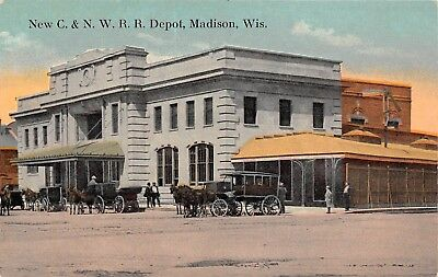 LP60 Madison Wisconsin Vintage Postcard Train Depot C. & N. W. R. R. Station