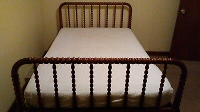 Antique Jenny Lind Spindle Spool 3/4 Bed, headboard, foot board, rails, slats