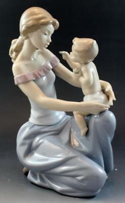 Lladro One for You One For Me Mother & Child Figurine by Juan Ignacio Aliena