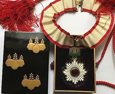 WW2 Japan Order of the Rising Sun III. Class im Lack Etui of Nobility! TOP!