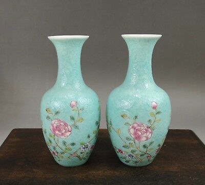 """A superb pair of Chinese early 20C famille rose """"jurentang"""" bottle vase-Republic"""
