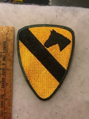 US 1960s 1st Cavalry Division Patch Army Green Cut Edge (A242