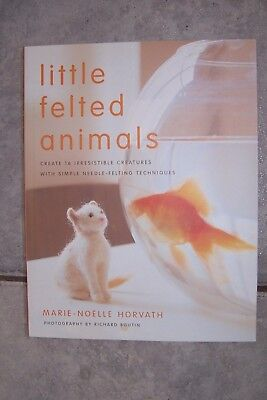 LITTLE FELTED ANIMALS - 16 toys animals PATTERN BOOK - Marie Noelle Horvath