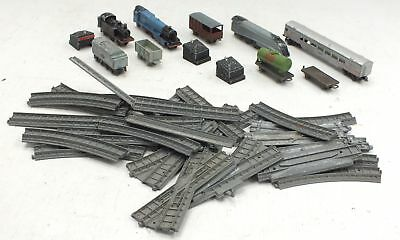 Vintage 1950s LONE STAR Locomotives Engines Coaches Carts Tracks OOO Gauge - T04