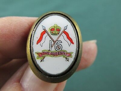 Vintage THE QUEENS 16TH Lancers Collar Badge