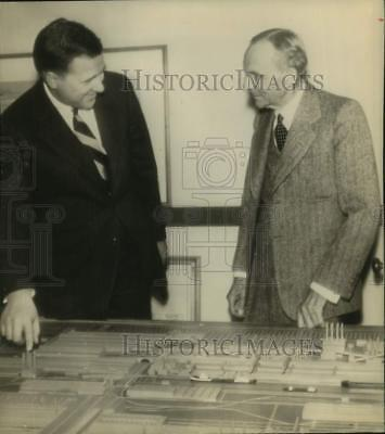 1945 Press Photo Henry Ford II and Henry Ford at Ford Rouge plant - sax06042
