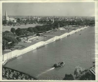 1954 Press Photo Aerial view of waterfront and promenade in Singapore