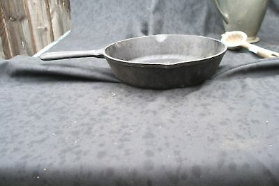 Cast Iron Lodge Frying Pan #5 Farmhouse Kitchen Vintage Antique Chic Primitive