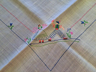 Vintage / Antique Fine Linen Beautiful hand Embroidered Tablecloth 33 x 33 Ecru