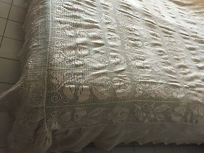 Beautiful Antique Handmade Coverlet