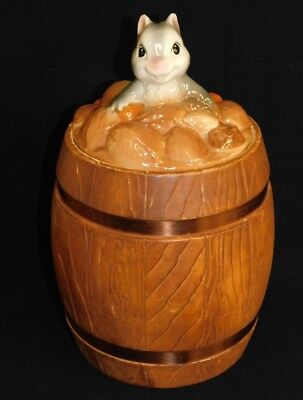 Squirrel on a Barrel of Nuts Vintage Ceramic Cookie Jar Metlox 1950's 1960's