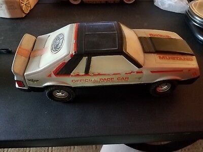 Collectible Decanter Ezra Brooks, 1979 Mustang Indy Pace Car Empty