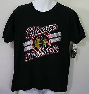 CHICAGO Blackhawks NHL Black Graphic T Shirt NWT Mens M