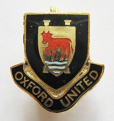 OXFORD UNITED - Superb Vintage Shield Style Enamel Football Pin Badge By Coffer