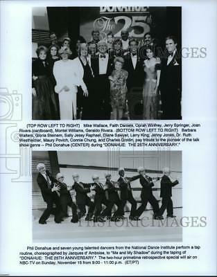 1992 Press Photo Phil Donahue with fellow Television Talk Show Hosts and Dancers