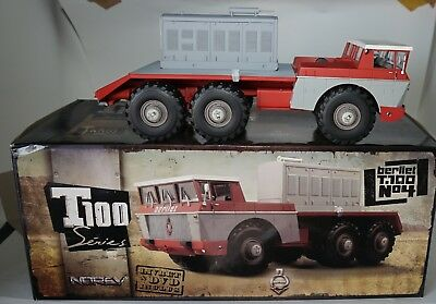 Norev 690032 Berliet T100 No 4 Flat Bed Truck With Removeable Engine