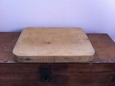 HEAVY ONE PIECE WOODEN BREAD / CHOPPING BOARD 12.7 by 9.8 inches