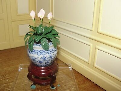 SALE:  Dollhouse Miniature Hand-Painted Ceramic Planter w Calla Lily's   Artist