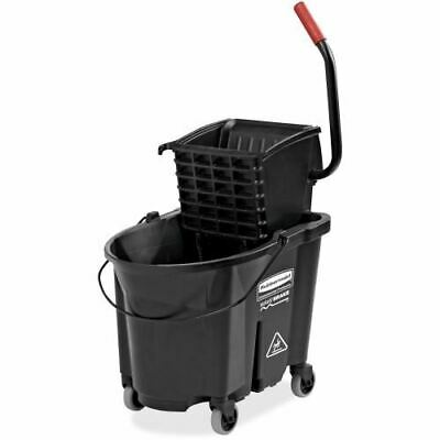 Rubbermaid 35 quart Mop Bucket w/ Ringer 1863896