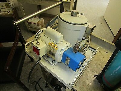 Leybold Vacuum Product Part Number: 898550 Oil Filtering System. < J