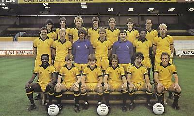 Cambridge United Football Team Photo>1981-82 Season