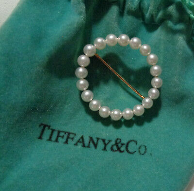 Tiffany & Co. 14Kt Yg & Natural White Pearl Circle Brooch  1. 1/8'