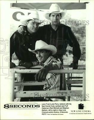 1993 Press Photo Actor Luke Perry with co-stars in 8 Seconds movie - sap22591