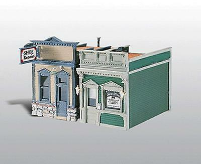 Woodland Scenics / Scenic Details HO Scale - #224 Doctor's Office & Shoe Repair