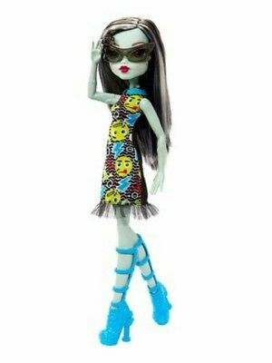 NEW MATTEL Monster High Frankie Stein Doll NIB BEAUTIFUL