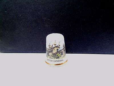 Vintage Chester Cathedral Tourist Pottery Retro Collectable Sewing Thimble