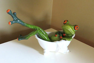 Frog Lounging in Bathtub Figurine Ornament 6.5 in.Green Frogs New Chilling Cool