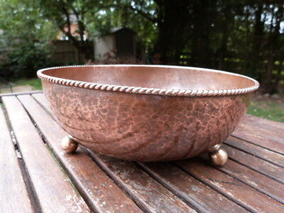 "Rare Antique Arts & Crafts ""dryad Lester"" Beaten Copper Bowl On Brass Ball Feet."