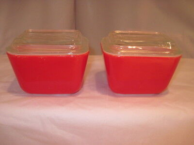 """2 Vintage Pyrex 0501 Refrigerator Dishes Primary Red+ Lids Shiny 4"""" X 3"""" -Vguc!"""