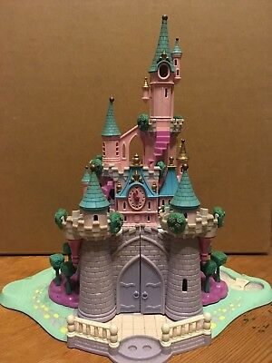 Vintage Polly Pocket Cinderella Castle ALL 8 figures/lights up. Very collectable