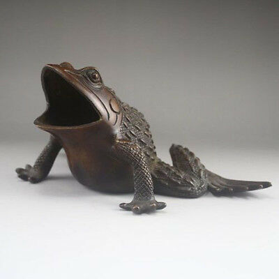 Exquisite Chinese Bronze Statue - Frog