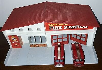 Matchbox Series boxed fire station MF-1 with 2 fire engines Fab Condition