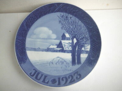 ROYAL COPENHAGEN DENMARK Christmas Collector Plate Jul 1923