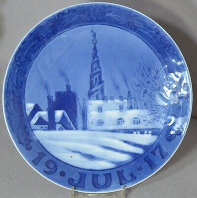 ROYAL COPENHAGEN 1917 Christmas Plate : Church of Our Savior, Copenhagen