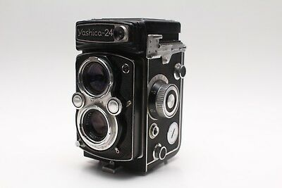 VINTAGE YASHICA 24 TLR Medium Format Camera - 80mm F2.8 Lens Yashinon Lens