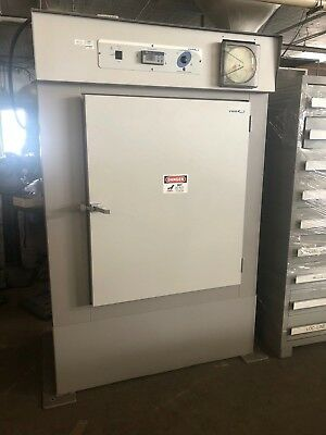 VWR International Horizontal Air Flow Oven  Model 1675  PN 9071097  Pre owned