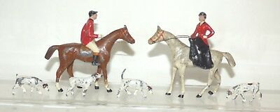 XX15 - unusual solid lead Hunt Scene. Riders 80 - 85mm high