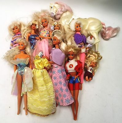 9 x MATTEL BARBIE Dolls With Extra Dress And White Horse - D42
